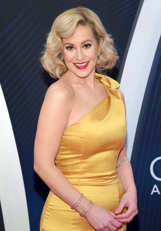 Kellie Pickler – 2018 CMA Awards