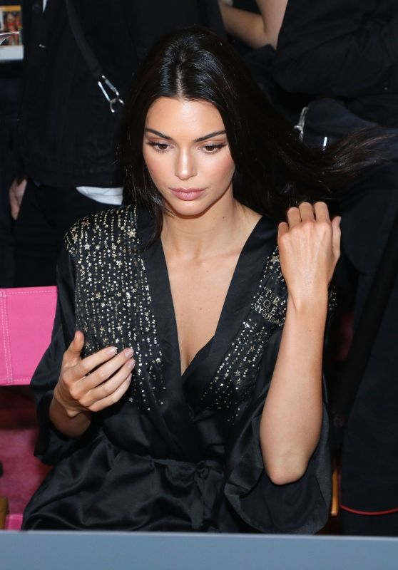 Kendall Jenner - 2018 Victoria