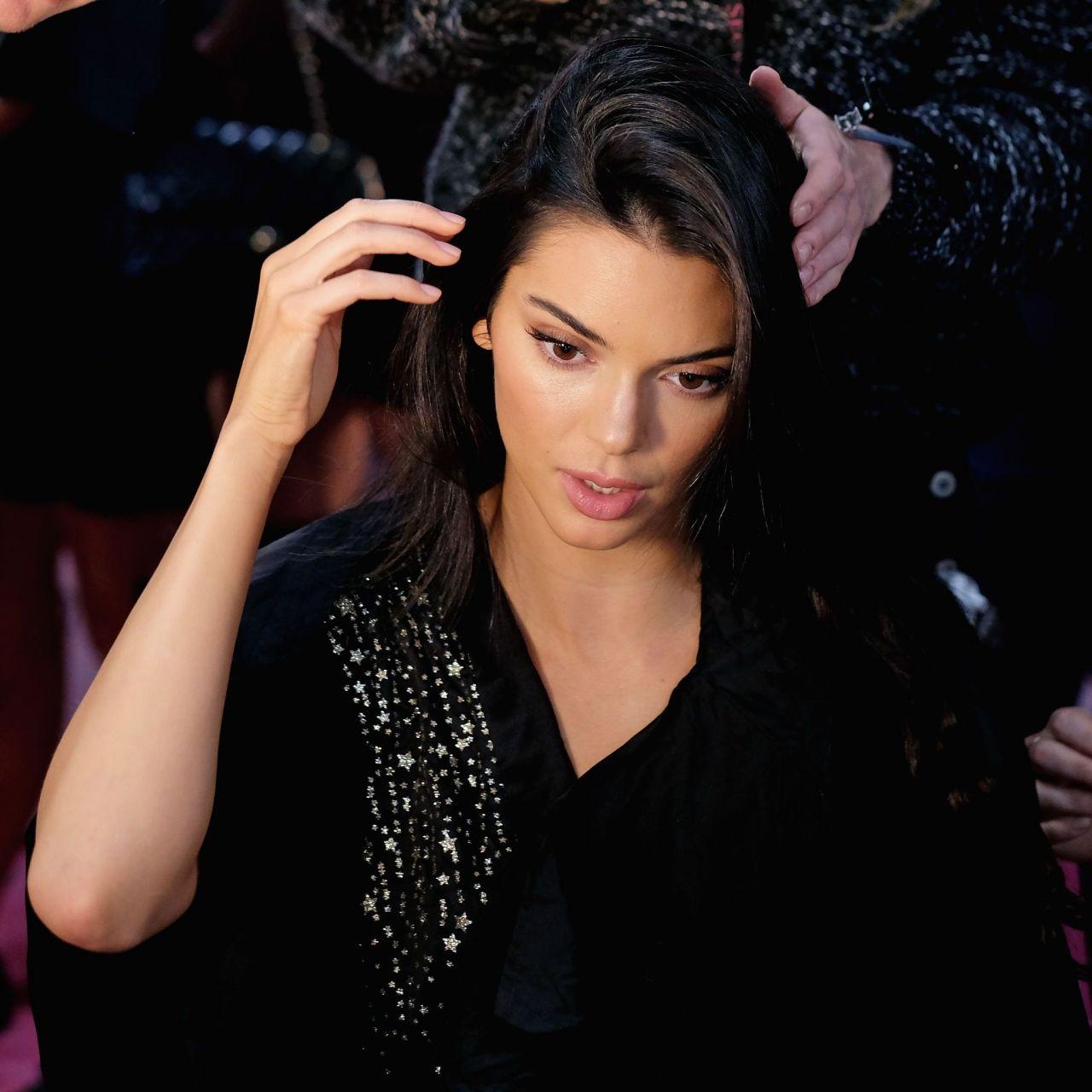 Kendall Jenner U2013 2018 Victoriau2019s Secret Fashion Show Backstage (Part II)