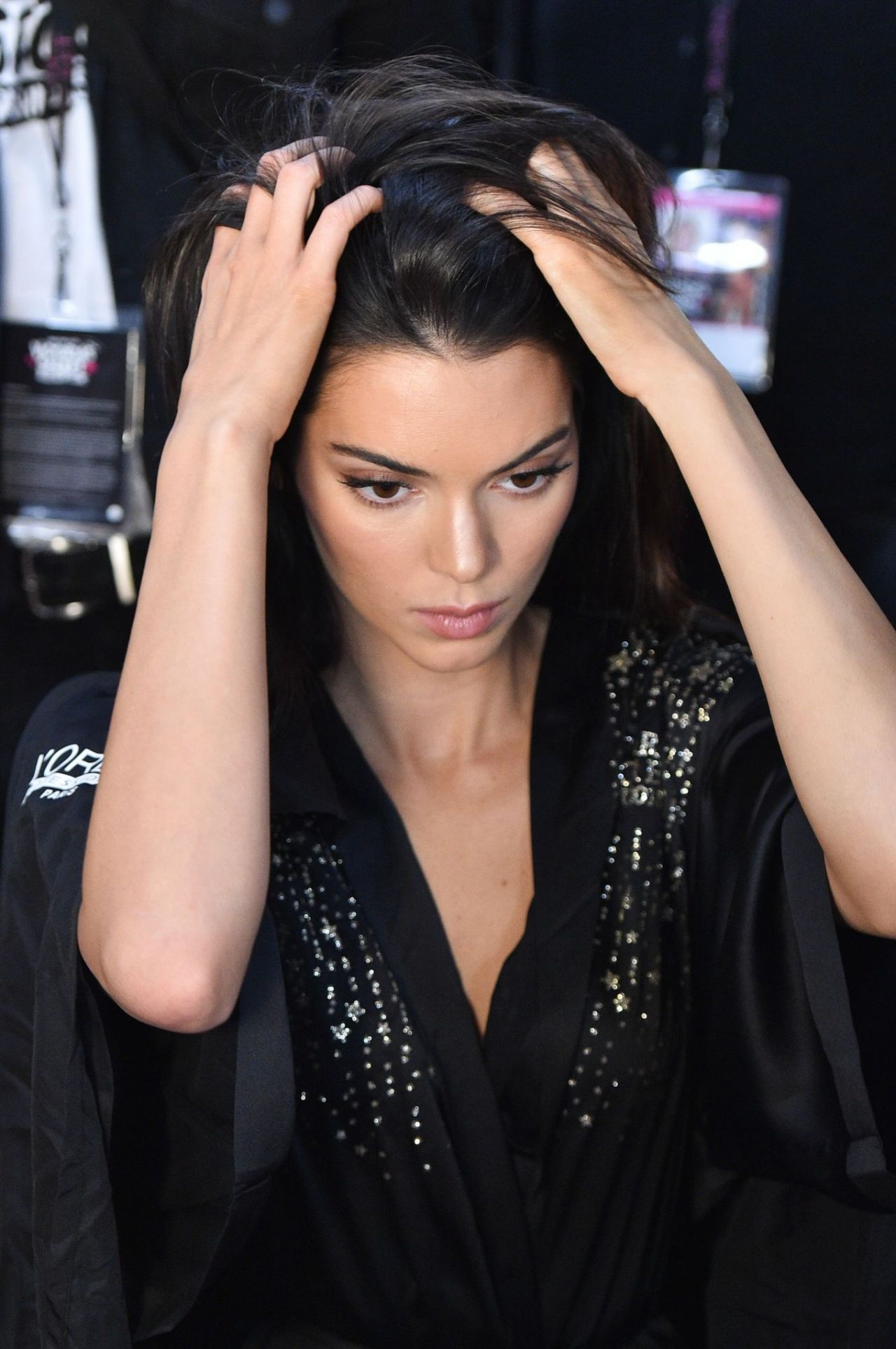 Kendall Jenner u2013 2018 Victoriau2019s Secret Fashion Show Backstage (Part II)