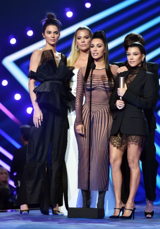 Kendall Jenner, Khloe Kardashian, Kim Kardashian, Kourtney Kardashian and Kris Jenner – People's Choice Awards 2018