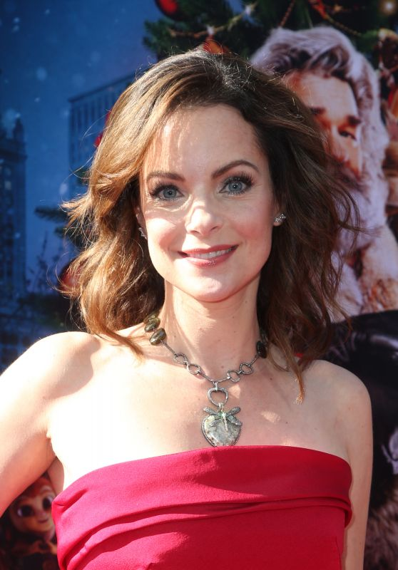 """Kimberly Williams-Paisley – """"The Christmas Chronicles"""" Premiere in LA"""