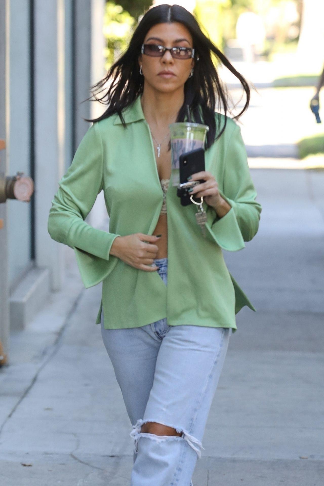kourtney kardashian casual style 11142018