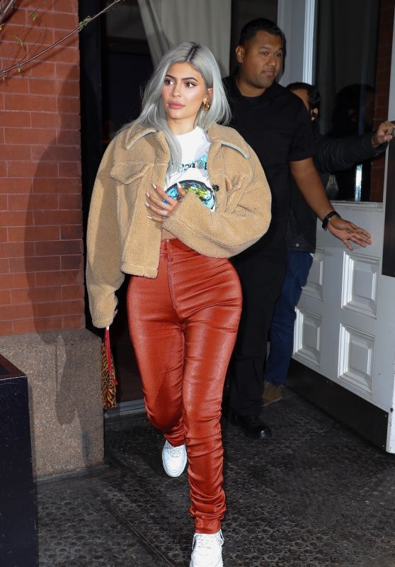 Kylie Jenner Style 11/27/2018