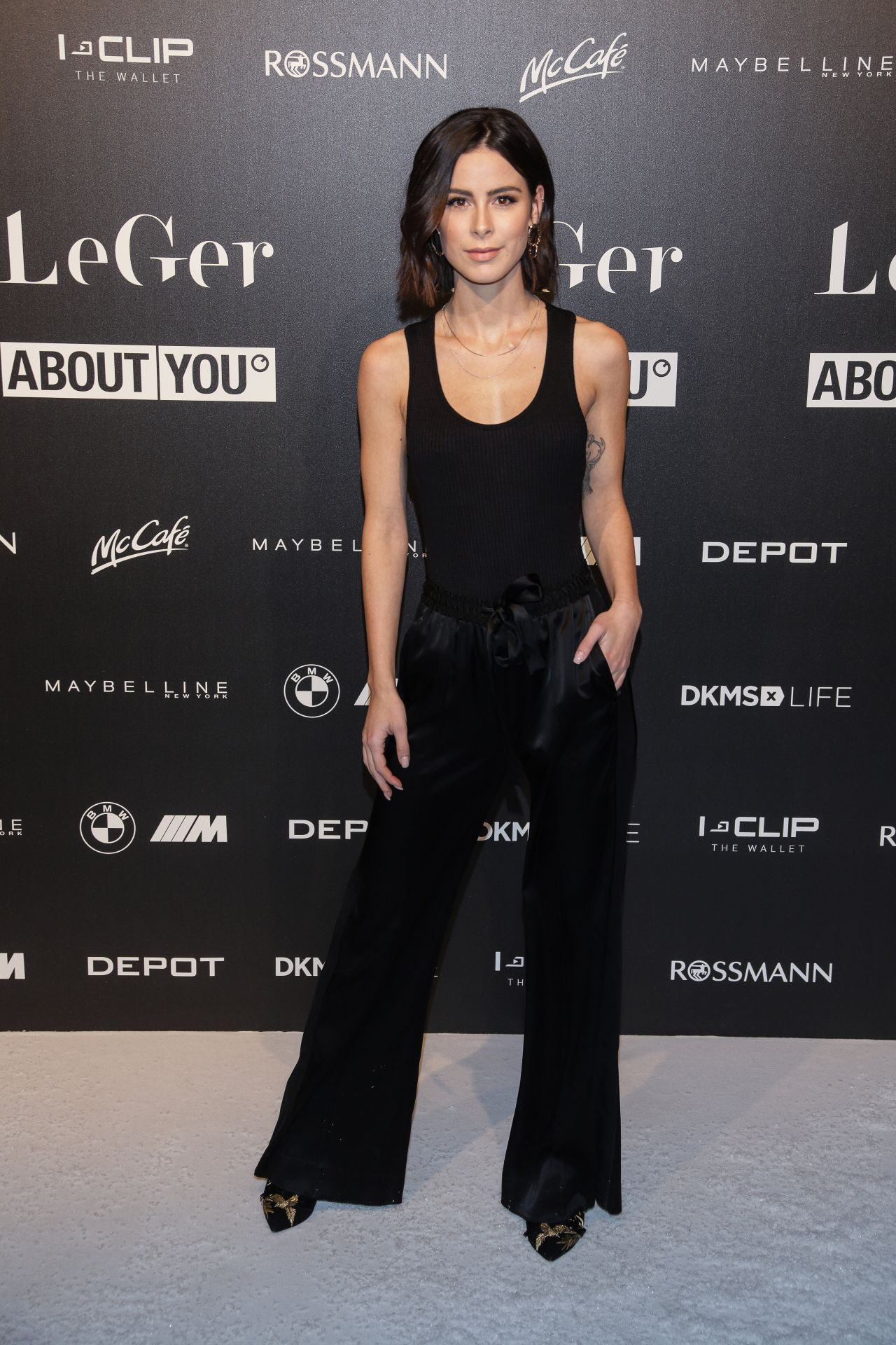 Lena Meyer Landrut Lena Gercke S Christmas Dinner Party In