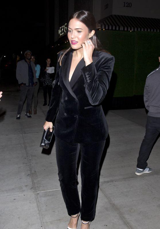 Mandy Moore in a Black Velvet Suit 11/16/2018