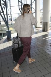 Maria Sharapova in Travel Outfit 11/27/2018