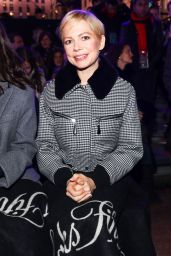 "Michelle Williams - ""Theater of Dreams"" Holiday Windows and Light Show in New York 11/19/2018"