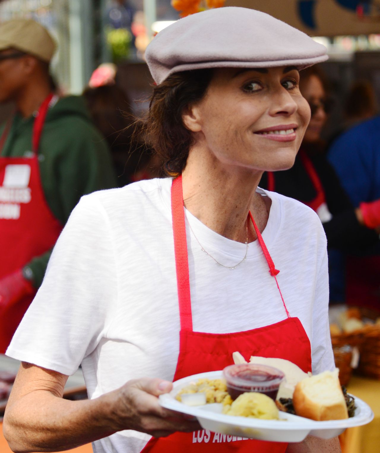 https://celebmafia.com/wp-content/uploads/2018/11/minnie-driver-los-angeles-mission-hosts-thanksgiving-event-for-the-homeless-11-21-2018-1.jpg