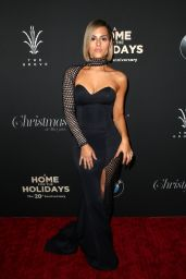 Pia Toscano - The Grove Christmas Tree Lighting in Los Angeles 11/18/2018