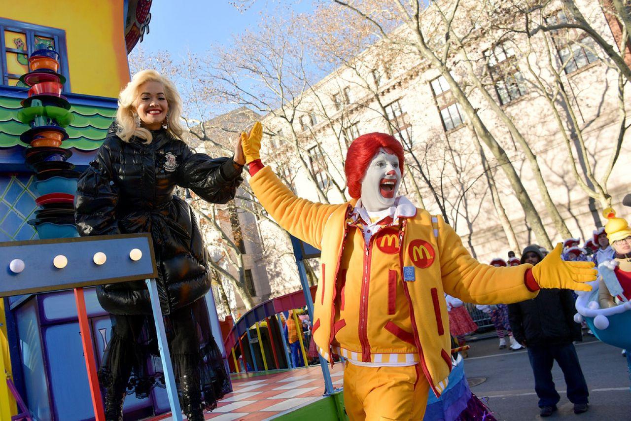 https://celebmafia.com/wp-content/uploads/2018/11/rita-ora-2018-macy-s-thanksgiving-day-parade-in-nyc-2.jpg