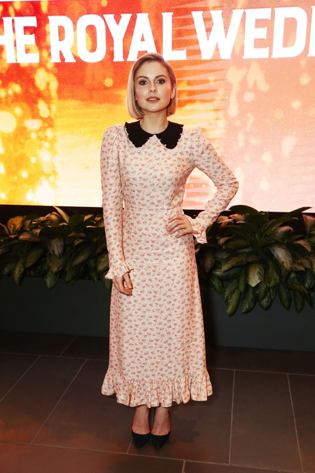 Rose Mciver Quot A Christmas Prince The Royal Wedding