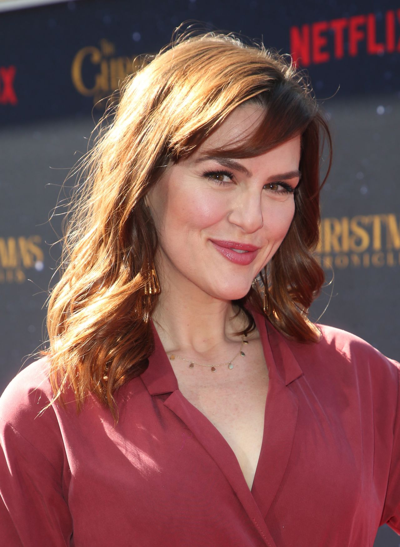 """Sara Rue – """"The Christmas Chronicles"""" Premiere in LA"""