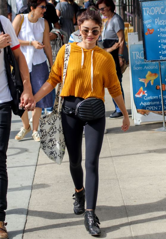Sarah Hyland at the Farmers Market in Studio City 11/04/2018