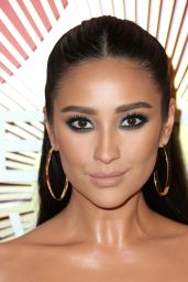Shay Mitchell – 2018 #REVOLVEawards in Las Vegas