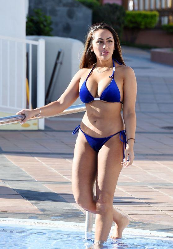 Sophie Kasaei in Bikini 11/22/2018