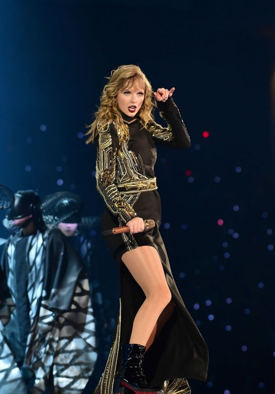 Taylor Swift - 2018 Reputation Stadium Tour in Tokyo 11/21/2018