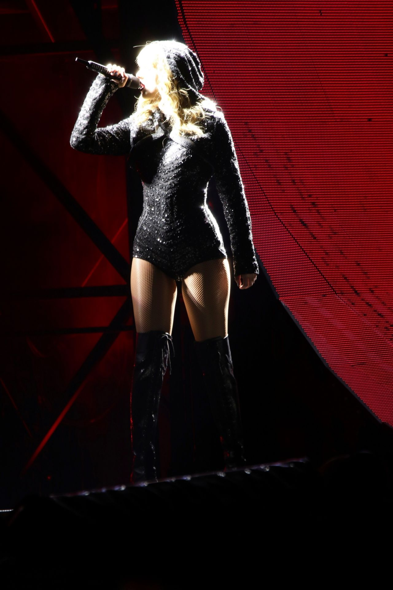 Taylor Swift – Perfo... Taylor Swift Reputation Tour