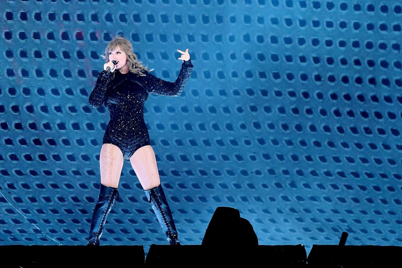Taylor Swift - Performs during Reputation Stadium Tour in ...