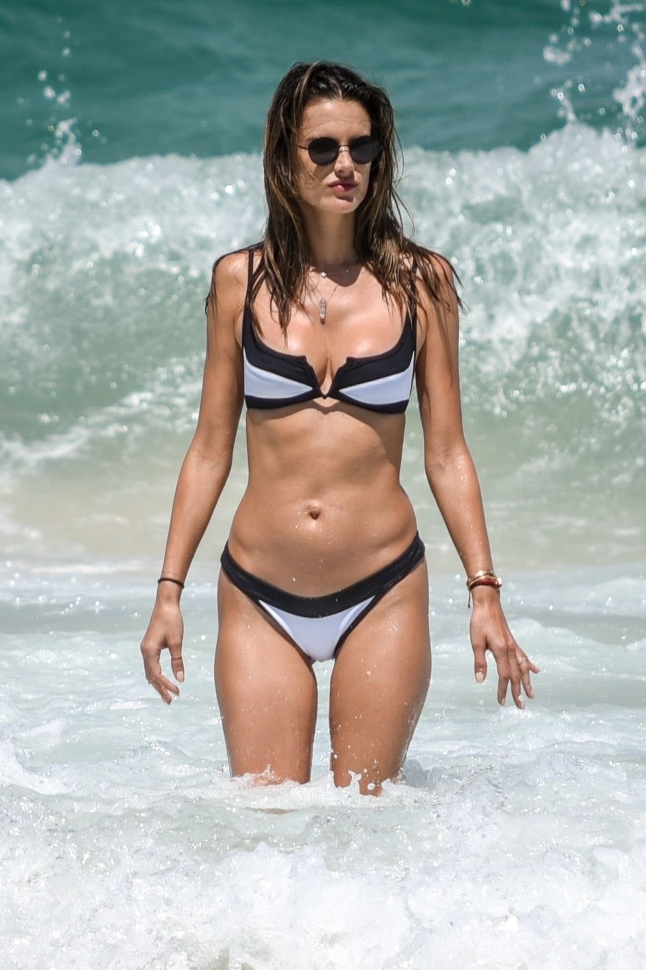 Alessandra Ambrosio in a Bikini - 27 Photos nudes (51 photos), Cleavage Celebrity pictures