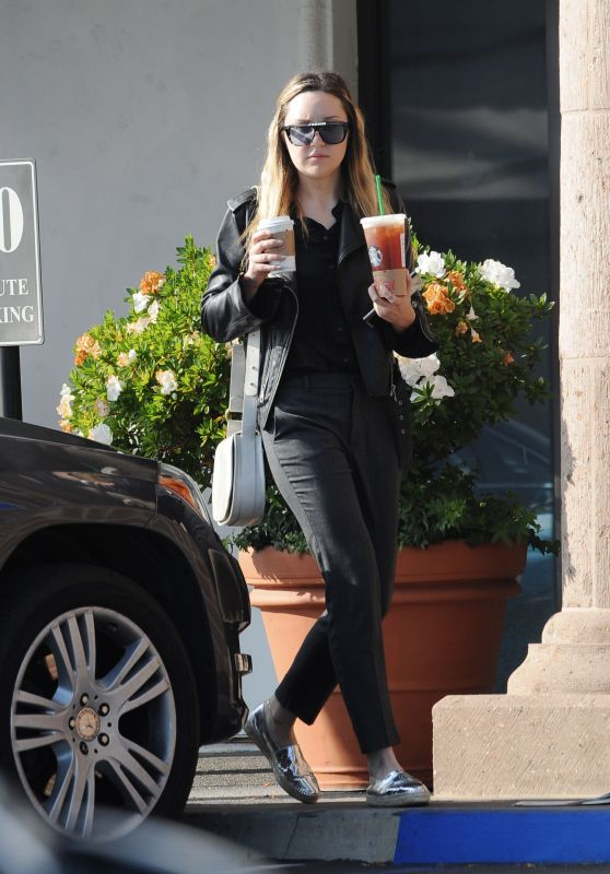 Amanda Bynes at Starbucks in Los Angeles 11/29/2018