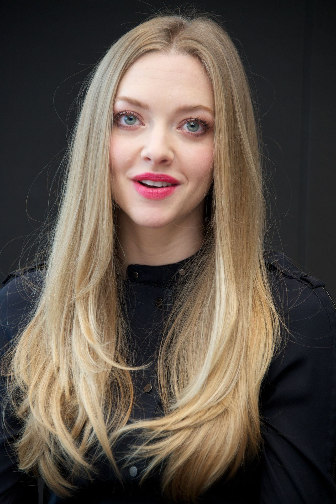 "Amanda Seyfried - ""Les Miserables"" Press Conference in New ... Amanda Seyfried"
