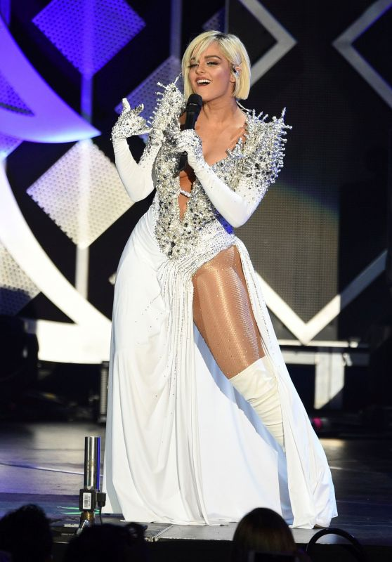 Bebe Rexha - Performs at Jingle Ball in Inglewood 11/30/2018
