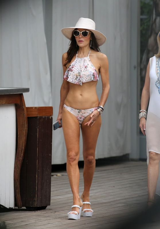 Bethenny Frankel in Bikini by the Pool in Miami 12/04/2018