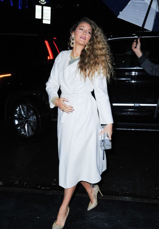 Blake Lively - Arriving to the Versace Pre-Fall 2019 Fashion Show in NY