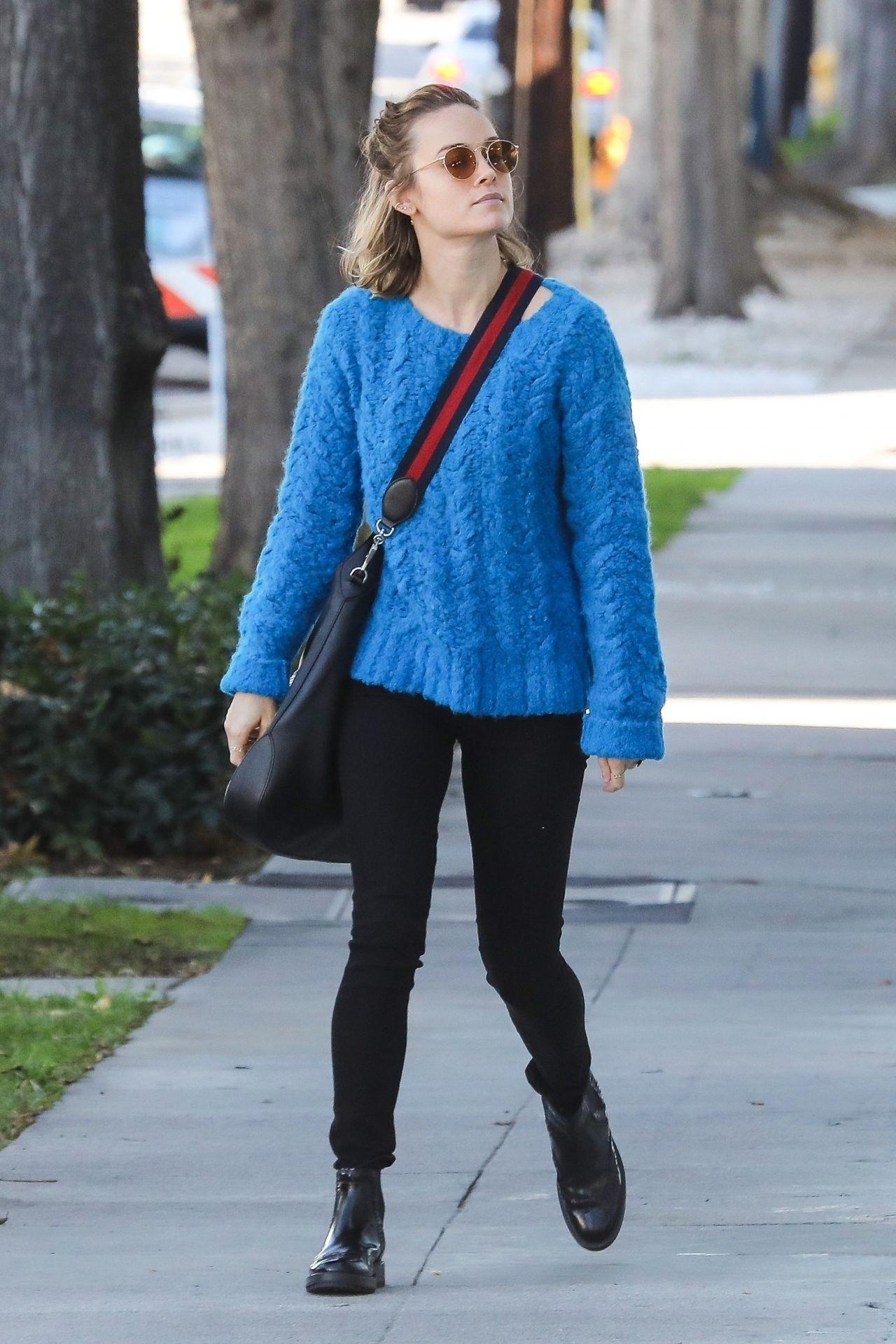 Brie Larson Street Style 12 02 2018