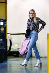Busy Philipps - Christmas Shopping in LA 12/13/2018