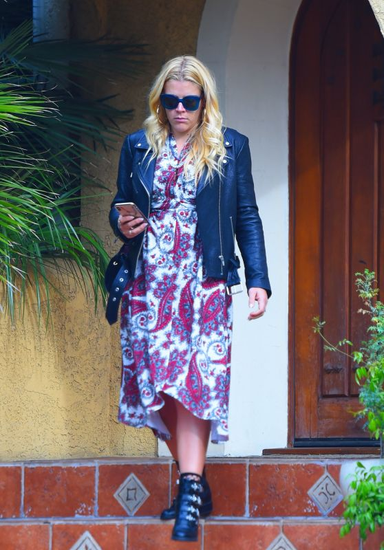 Busy Philipps - Leaving a Friend