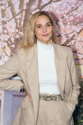 """Camille Lou – """"Mary Poppins Returns"""" Premiere in Paris"""