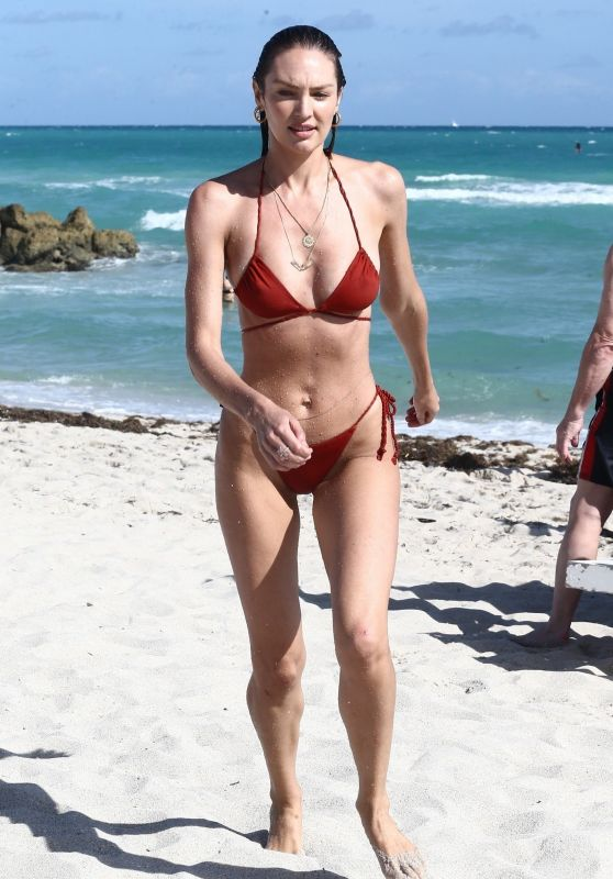 Candice Swanepoel in Bikini on the Beach in Miami 12/08/2018