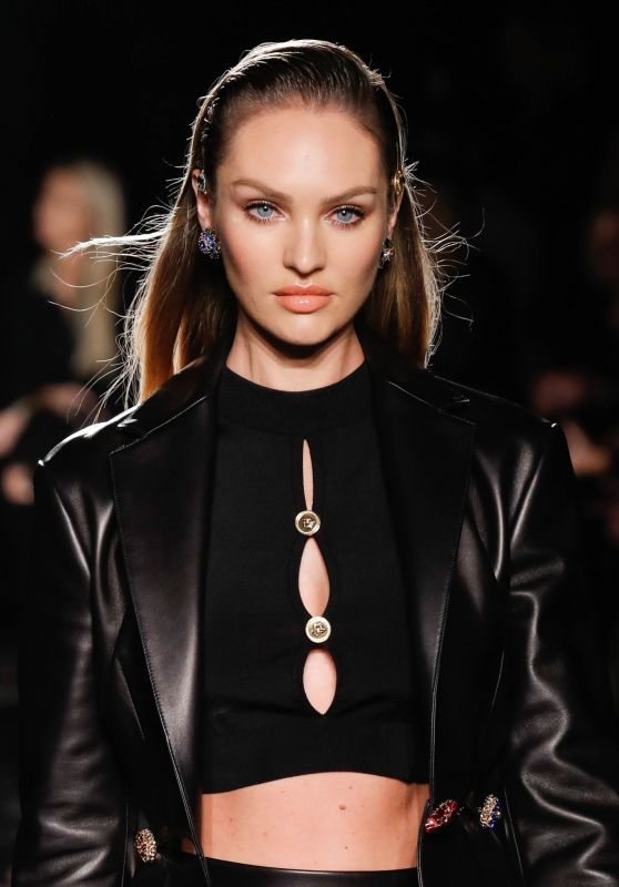 Candice Swanepoel – Versace Pre-Fall 2019 Fashion Show in NYC
