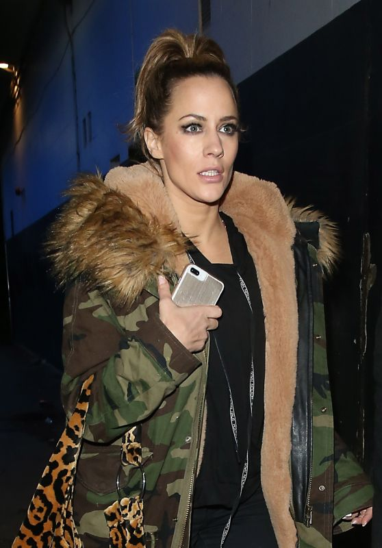 Caroline Flack - Leaving Phoenix Theatre After Chicago, London 12/23/2018