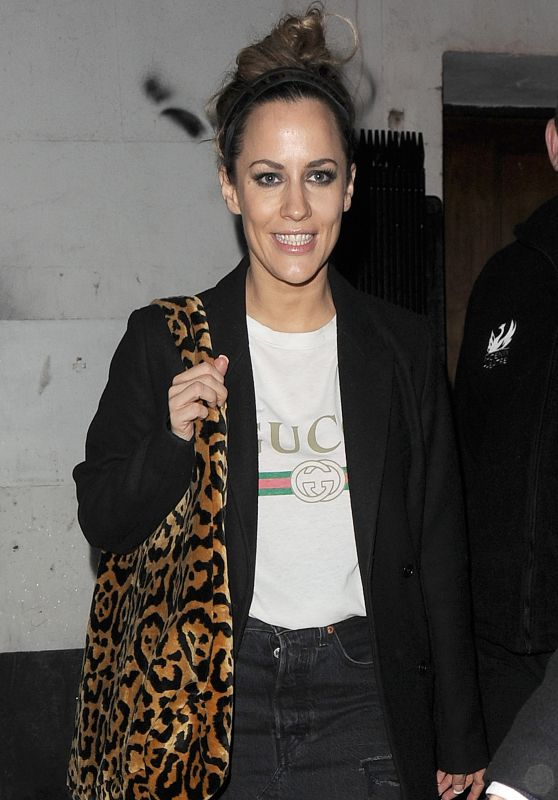 Caroline Flack - Leaving the Phoenix Theatre 12/18/2018