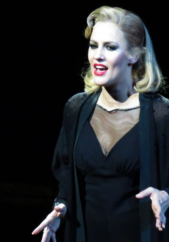 "Caroline Flack - Performing as Roxie Hart in ""Chicago"" in London 12/10/2018"