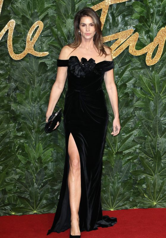 Cindy Crawford – The Fashion Awards 2018 in London