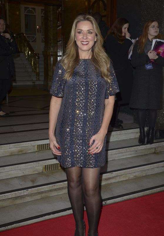 Claire Sweeney - Snow White Press Night in London 12/12/2018
