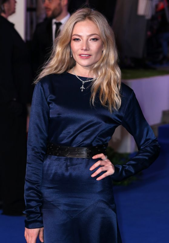 "Clara Paget – ""Mary Poppins Returns"" Premiere in London"