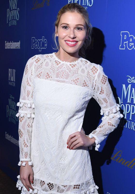 "Comfort Clinton – ""Mary Poppins Returns"" Screening in NY"