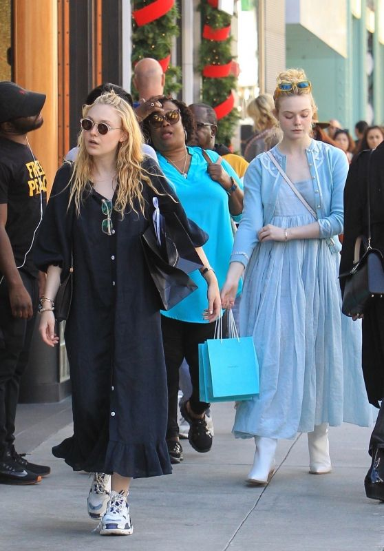 Dakota Fanning and Elle Fanning - Shopping With Their Mom in Beverly Hills 12/26/2018