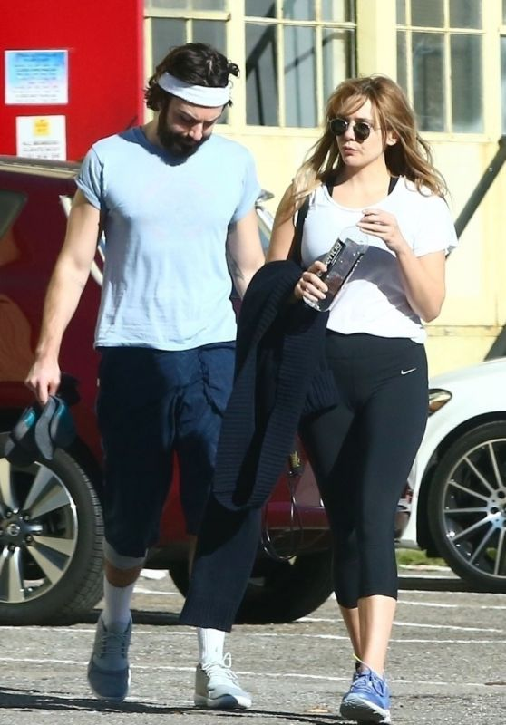 Elizabeth Olsen and Robbie Arnett - Out inWest Hollywood 12/02/2018