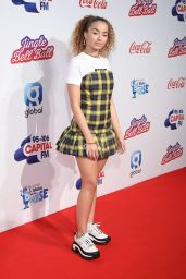 Ella Eyre – Capital Radio Jingle Bell Ball 2018 in London