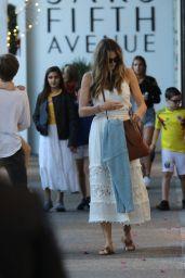 Elle MacPherson - Shopping in Bal Harbour 12/24/2018