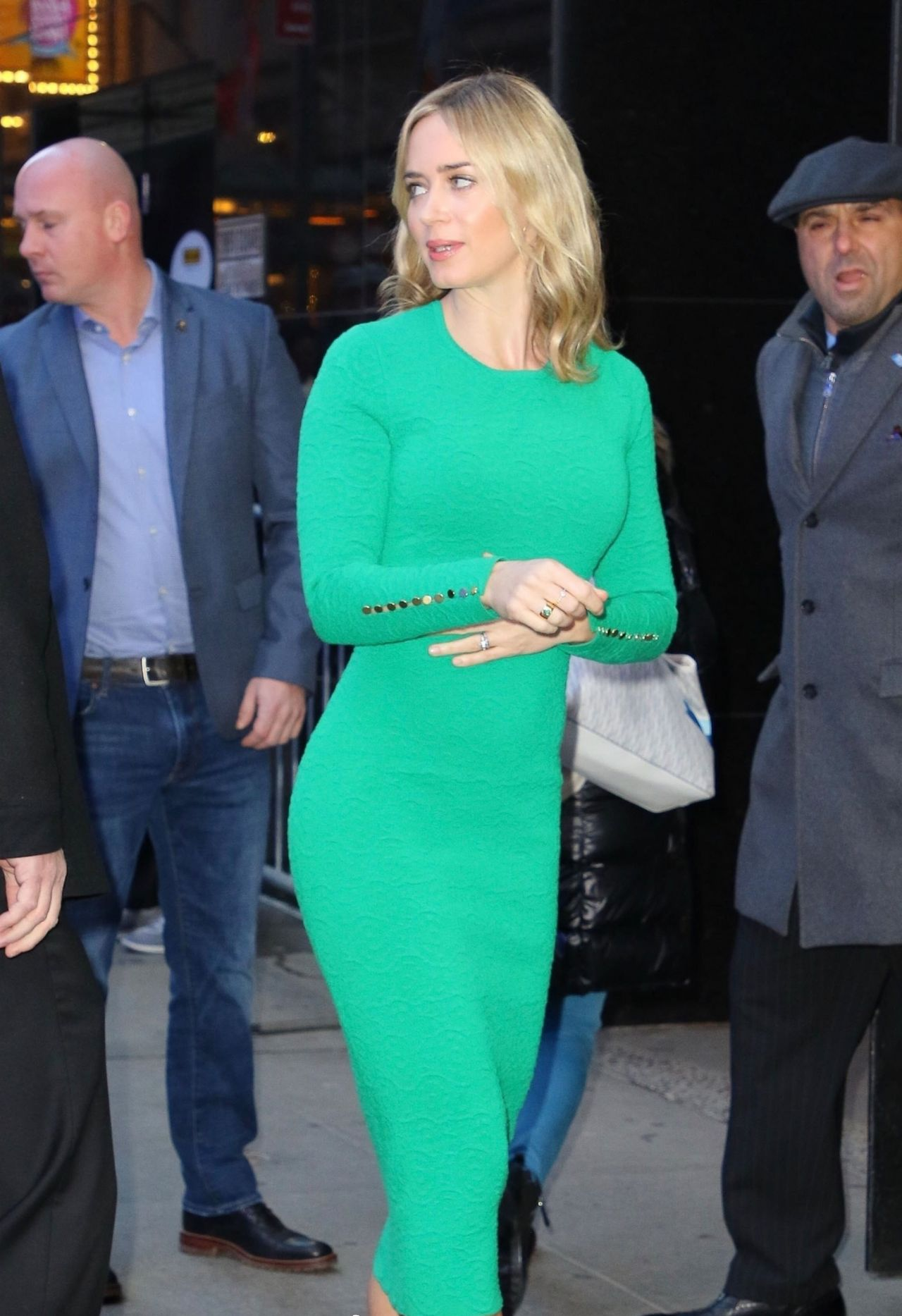 Emily Blunt Arrives At Gma In Ny 12 17 2018