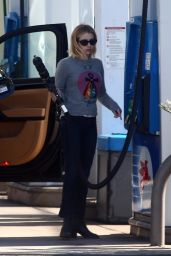 Emma Roberts - Stops for Gas in Hollywood 11/30/2018