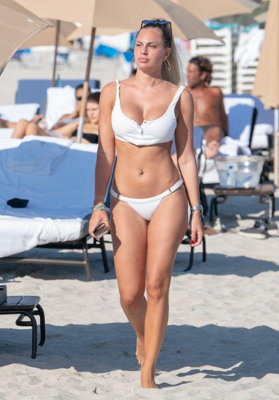 Francesca Brambilla in Bikini 12/03/2018