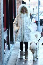Goldie Hawn - Shopping in Aspen 12/23/2018
